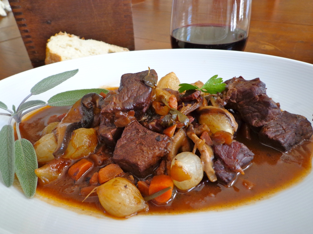 Le boeuf bourguignon or the authentic french burgundy beef for Authentic cuisine